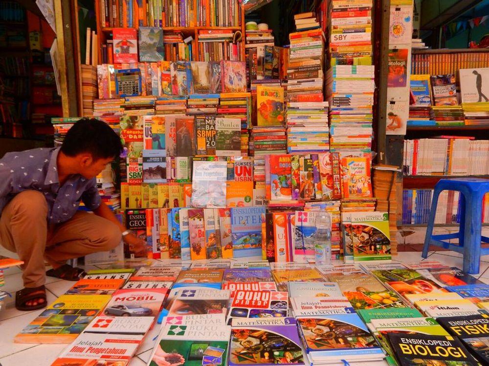 Pembelian buku bacaan