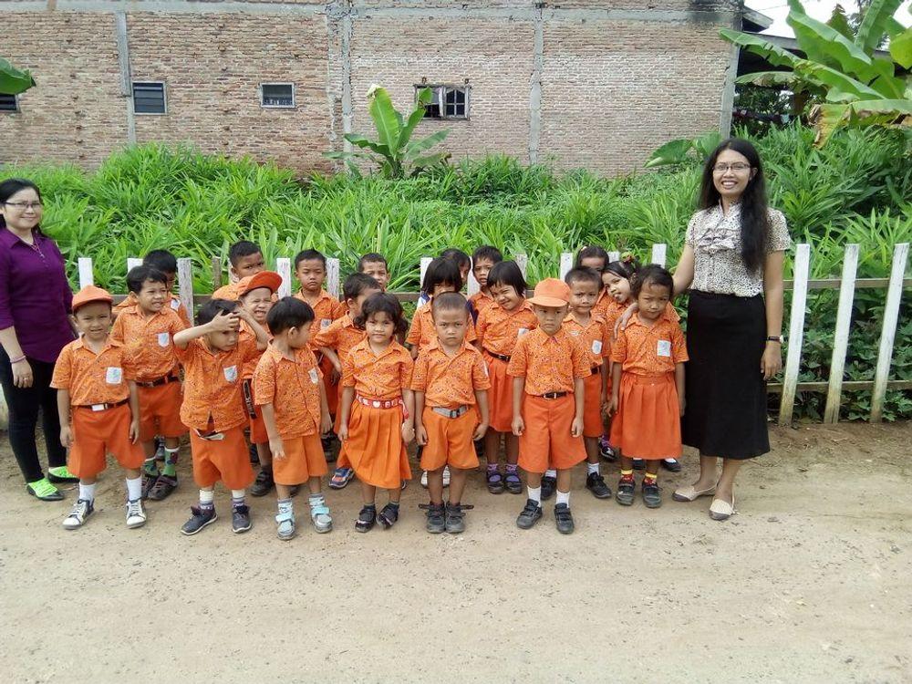 DI awali sebuah Kerinduan, dan terbeban melihat Anak-anak Desa ini.