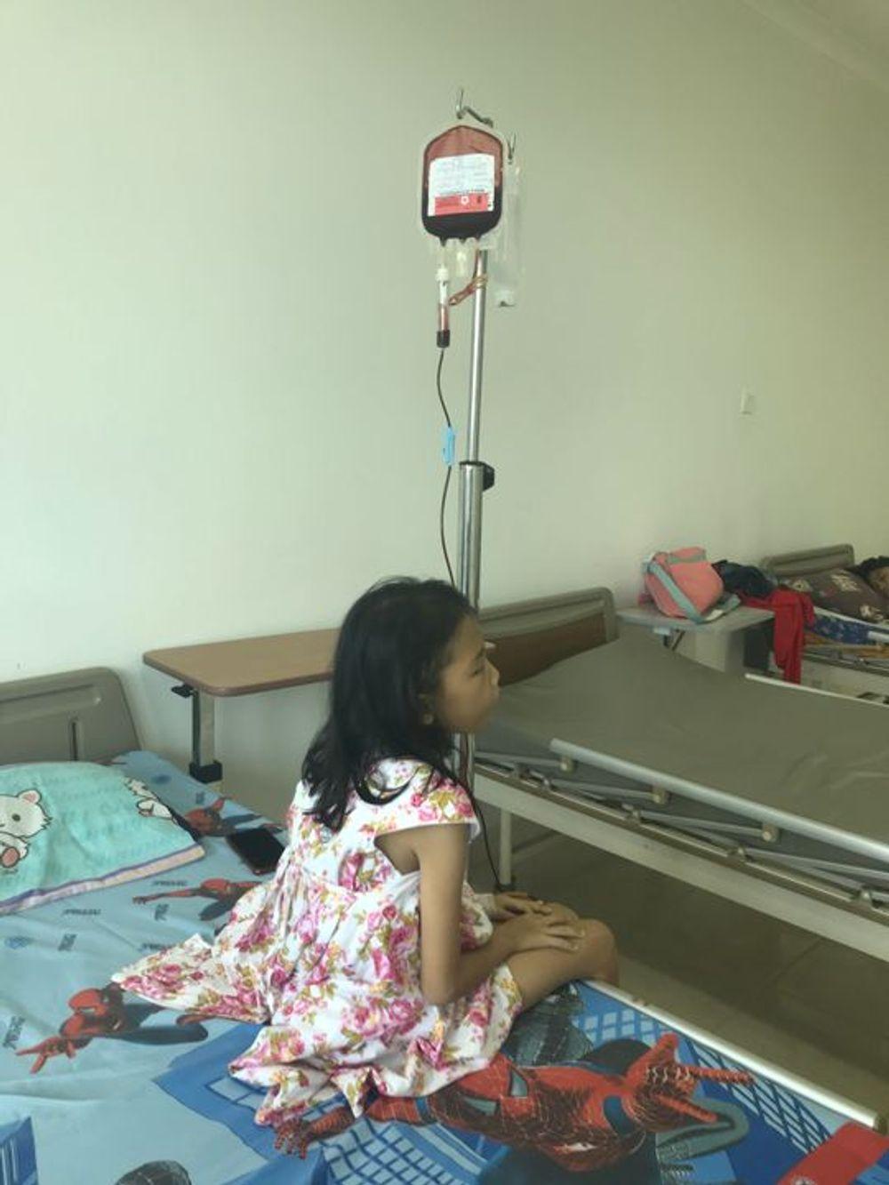 Evelyn waktu tranfusi
