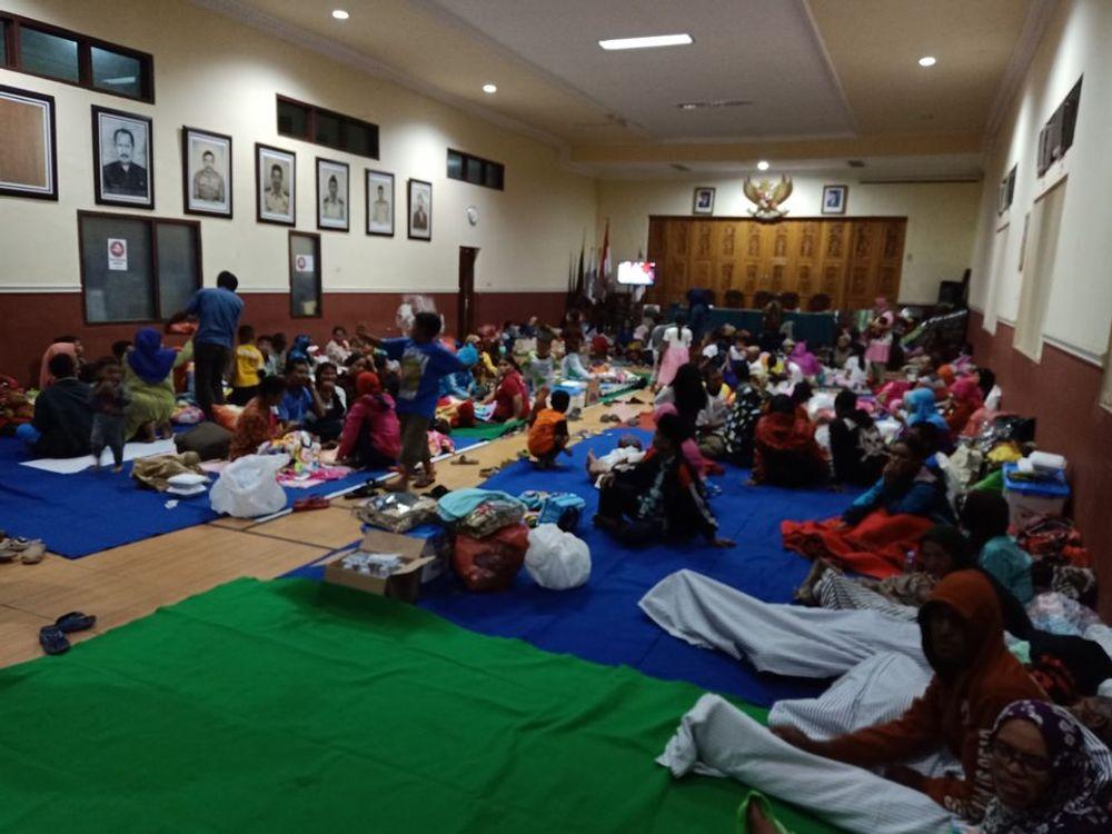 Bantu Ribuan Pengungsi Puting Beliung Di Malang