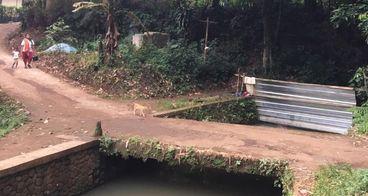 Bantu Warga Desa Cimulang Bangun Fasilitas MCK
