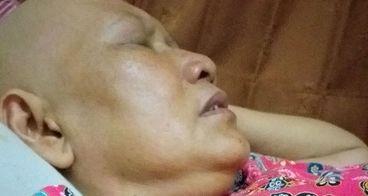 Bantu Ibu saya lawan kanker payudara stadium 4B