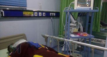 Bantu Bapak Nursodik untuk operasi tulang belakang