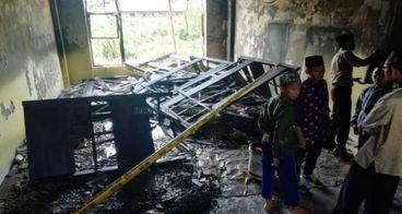Bantu Asrama Santri Tahfidz yang terbakar