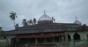 Bantu Renovasi Masjid Terbengkalai di Pesisir Riau