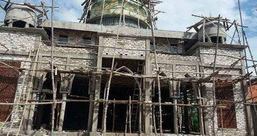 Renovasi Masjid Mambaut Tauhid Pelosok Madura