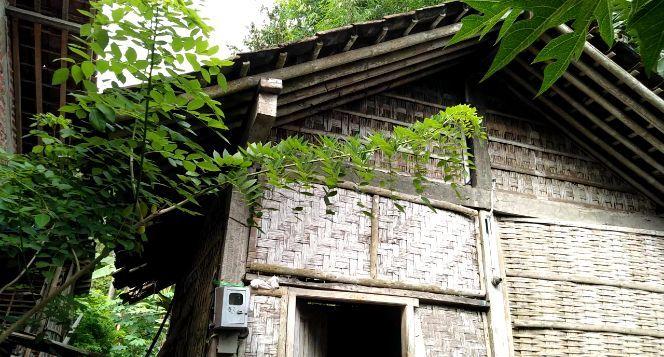 Bantu Mbah Yam Renovasi Rumahnya