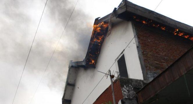 Bantu Mahasiswa UB Korban Kontrakan Kebakaran