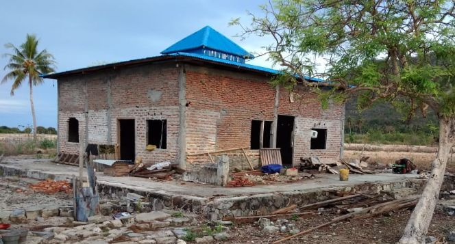Bantu menyelesaikan Masjid Baitus Shodiq